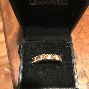 Jewelry - Beautiful champagne/ brown Diamond Ring